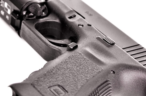 Vickers Tactical Extended Magazine Release for Glock 17, 19, 22, 23, 24,  26, 27, 31, 32, 33, 34, and 35 by Tango Down Gen 3 Style)